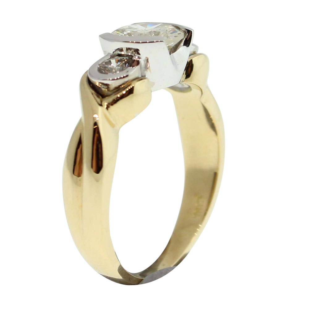 18CT GOLD HANDMADE DIAMOND RING